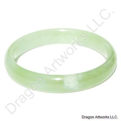 Glittering Light Green Jade Bangle Bracelet